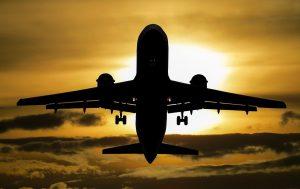 מטוס בדרך לרביירה הצרפתית ופרובנס