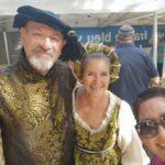 צילום שלי עם מארי ובעלה שניהם ציונים נלהבים בפסטיבל ימי הביניים בפרובנס