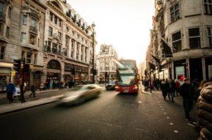לטייל בפרובנס בתחבורה ציבורית